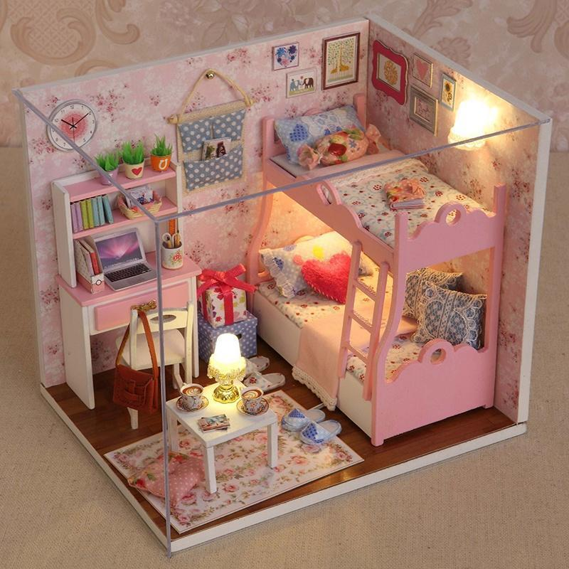Мебель для домика у куклы своими руками