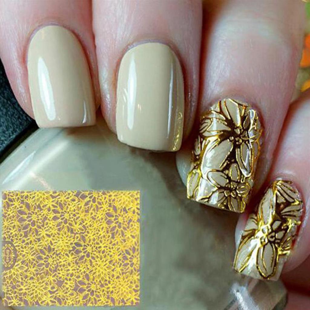 Золотые цветы на ногтях фото