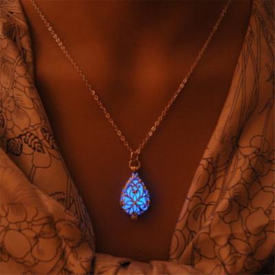 276bb1207624 Moda mujer brillo en joyería del collar de cadena larga de agua piedra  luminoso hueco oscuro