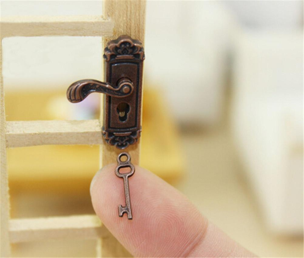 Miniature Hardware Water Faucet Mixer Tap For 1:12 Scale Dollhouse Decor