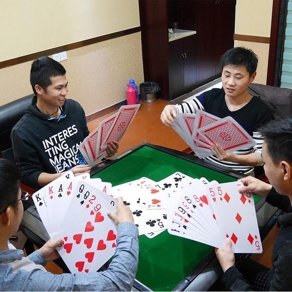 Большие играть карты интернет казино без вложения денег