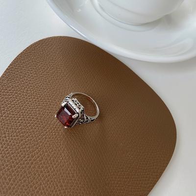 New Oval Ruby Zircon Retro Jewelry Ring Ladies Wedding Party Gift