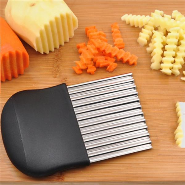 Vintage Crinkle Potato Slicer Green wood handle Wavey Cut Food Slicer Ripple Cut Slicer Vegatable Slicer