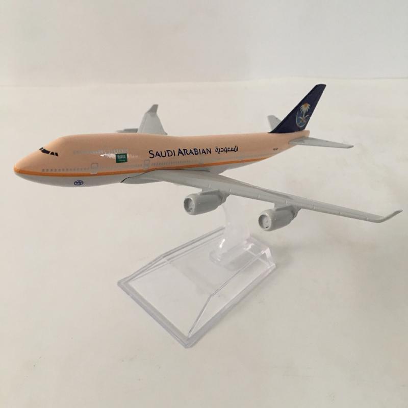 SAUDI ARABIA BOEING 747-400 Passenger Airplane Plane Diecast Model Collection