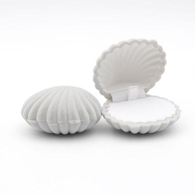 1Pcs una forma de concha de mar lujo Caja De Terciopelo Anillo Anillo de joyería de pendientes pendiente CA Zc