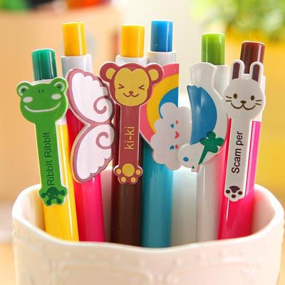 A cup of cue pens.