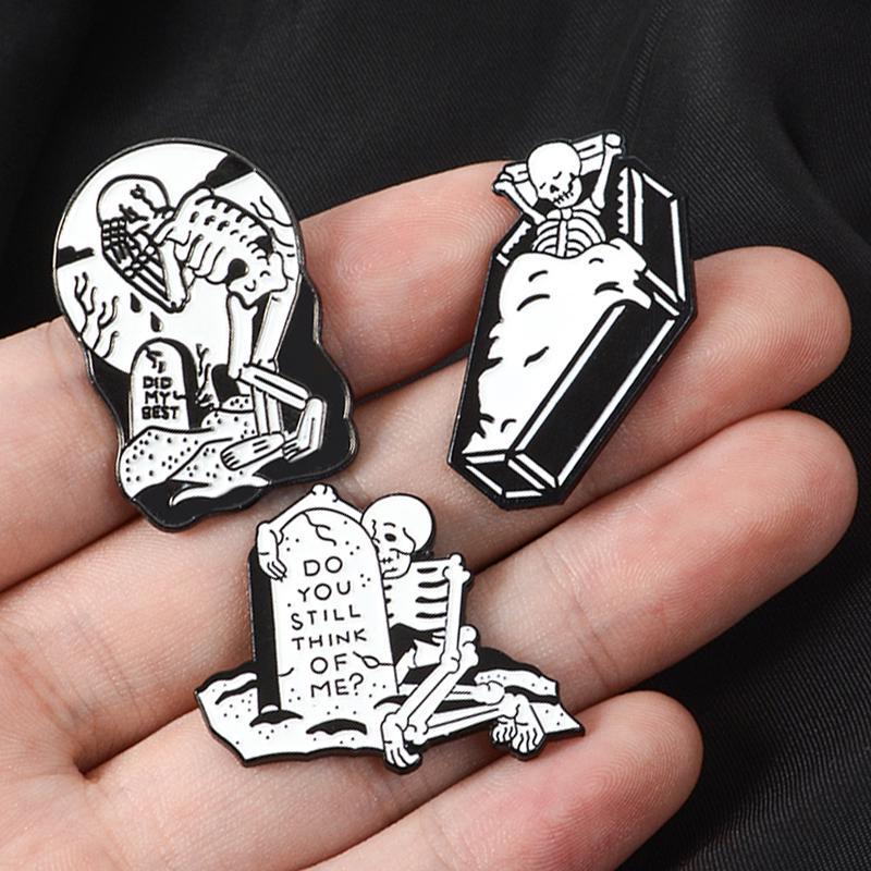 tarot card witchy witch enamel pin skull skull pin Tarot Skull Pin