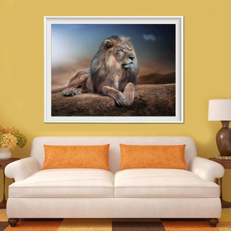 40x32cm狮子躺在地上俯瞰遥远的钻石绘画5D DIY钻石刺绣1PCS
