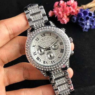 Fashion Women's Quartz Watch White Collar Fashion Watch Roman Six Pin Dial All Star Quartz Watch