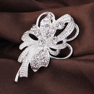 Brooch Crystal Elegant Rhinestone Pearl-studded Dancing Brooch Pin Chic Jewelry