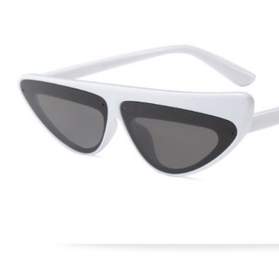 e3a8f9bf70 2018 triángulo pequeño gato ojo gafas de sol mujer marco Skinny estrecho  Retro gafas Slim sombrillas