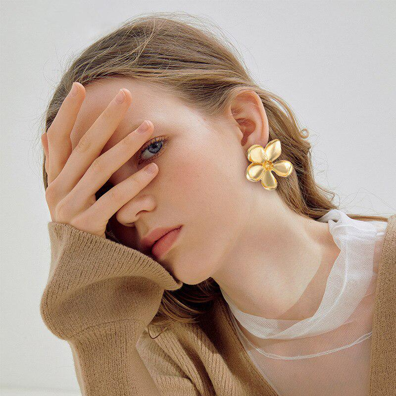 Fashion Alloy Earrings Drop Dangle Ear Stud Jewelry Pendant Girls Accessories