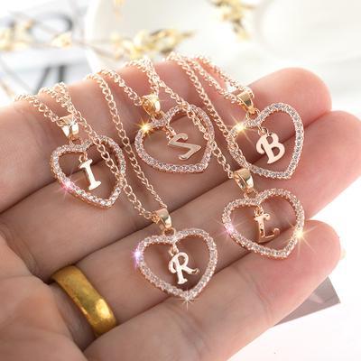 Charming  Alphabet  Elegant Pendant  Initial Letter  Simple Exquisite Love Heart Necklace Fashion