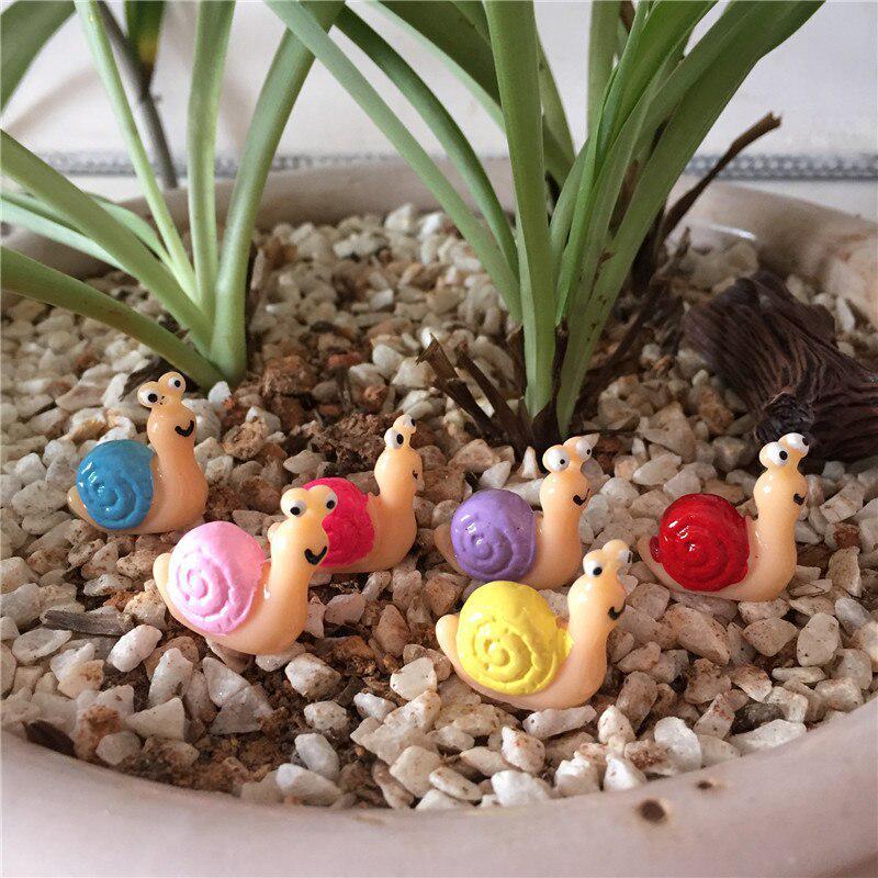 Miniature Snails Fairy Garden Dollhouse Bonsai Figurine Orn W7Q6 Nice Gift C3H4
