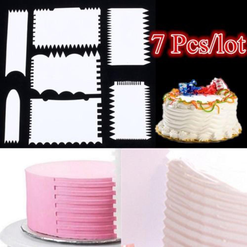 3 STRONG NOZZLES AND PINK BUTTERFLY STAMP HQ ITEMS 4 PIECE CAKE DECORATING SET
