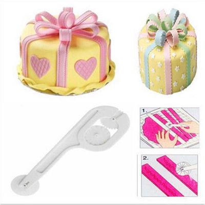 3 Wheel Fondant Icing Cutter Tool For Embossing Straight Wavy Stitch Patterns