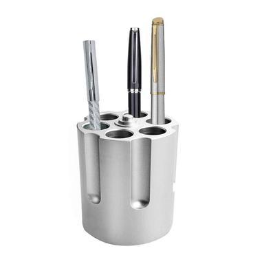 Contenitore di metallo intagliato fucsia per penne matite porta penne