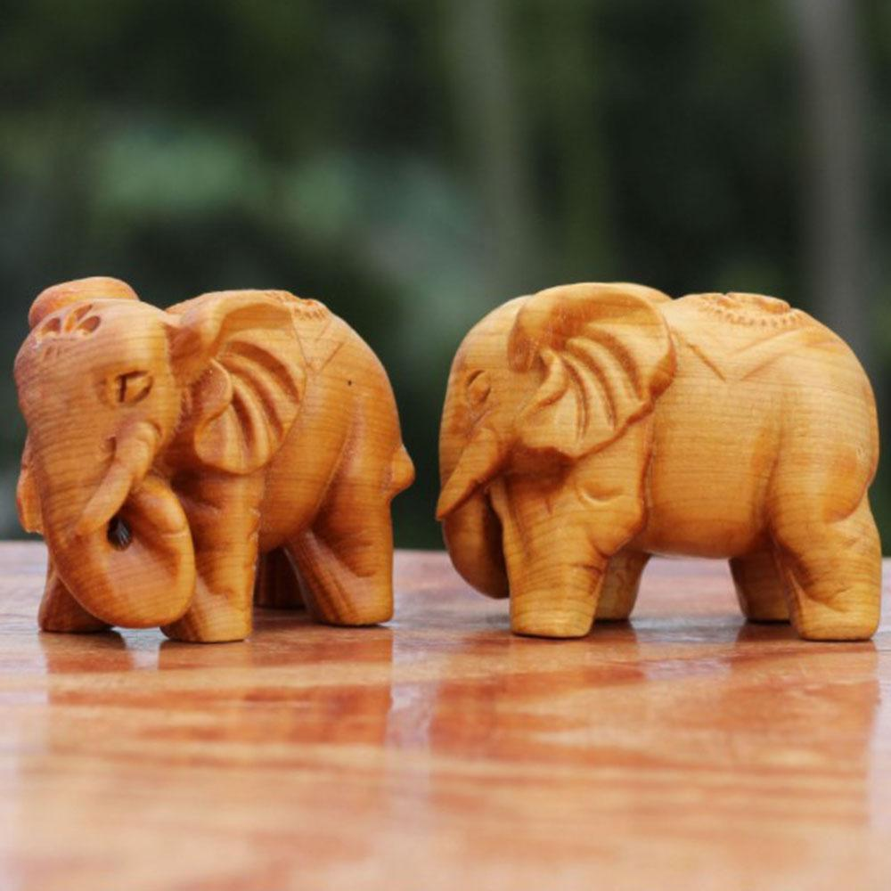 Lucky Natural Hand Carved Animal Thuja Elephant Office Statue Stone Ornament