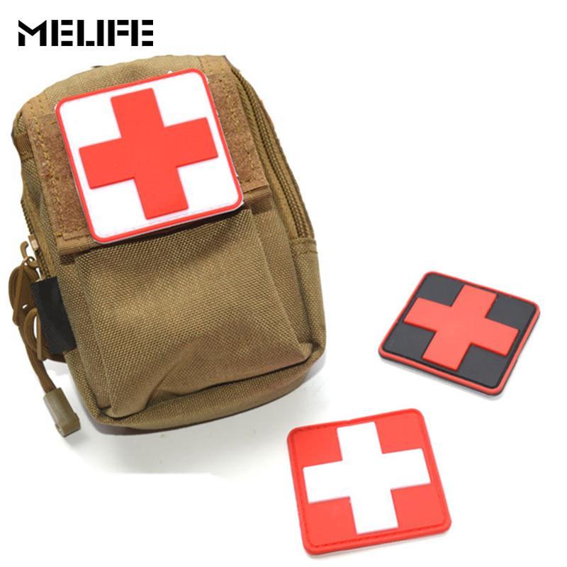Outdoor Survival First Aid PVC Red Cross Hook Loop Fastener Badge Patch 6×6cm 、