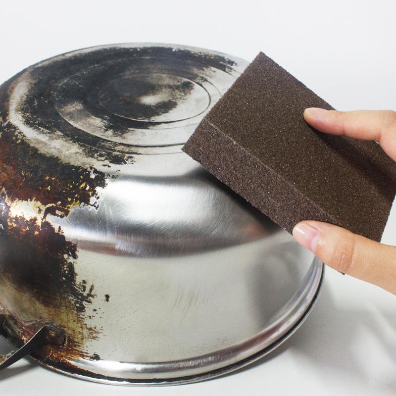 Губка для мытья посуды и удаления засохшей грязи фото