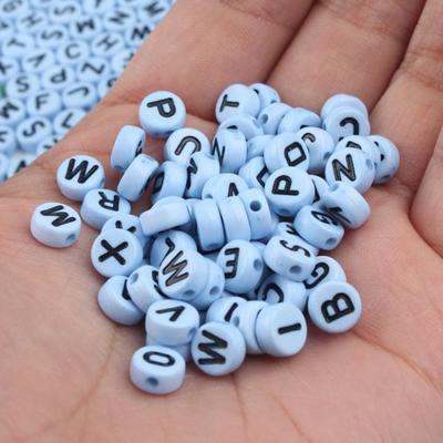 100PCS 4X7MM mixte Alphabet A-Z acrylique en forme de cœur perles-Divers Couleur