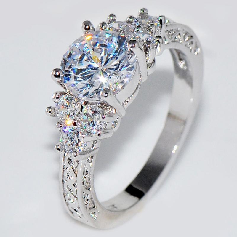 高档八心八箭锆石订婚戒指