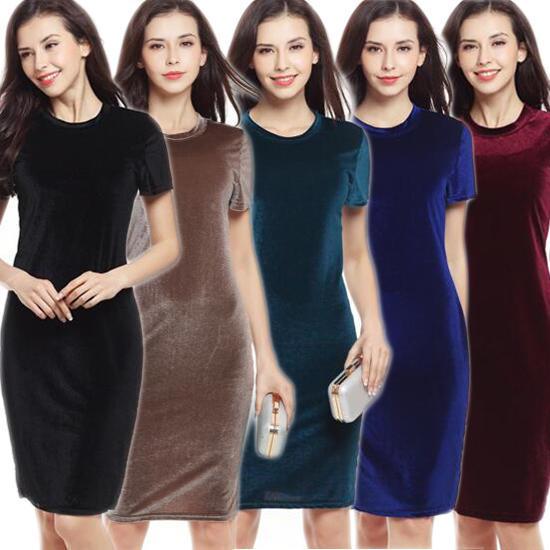 Женское бархатное платье- карандаш фото