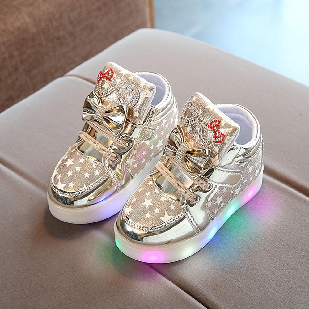 db41a34e9 LED обувь Весна дети звезды мягкие тапки детей свет теннисные туфли  противоскользящая нижней Светодиодные обувь – купить по низким ценам в  интернет-магазине ...