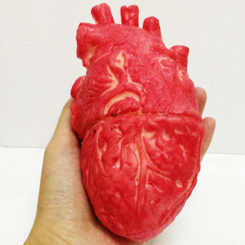 Blutiger Zombie Essen Menschenherz Chop Shop Körper Teil Orgel ...