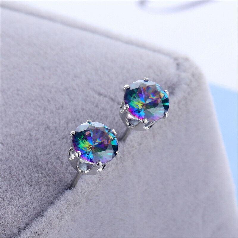 Яркий искусственный многоцветный кристалл фото