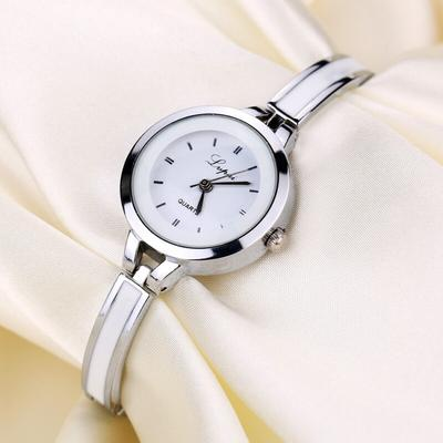 Personality Classic Wild Ladies Watch Temperament Fashion Bracelet Quartz Watch