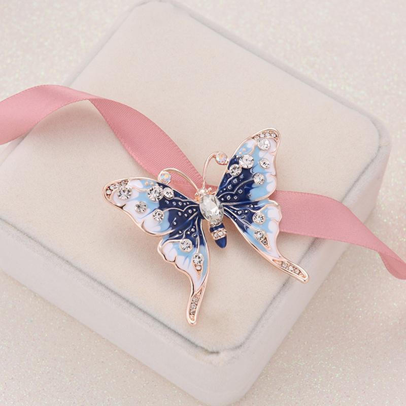 Изящная ювелирная брошь Голубая бабочка фото