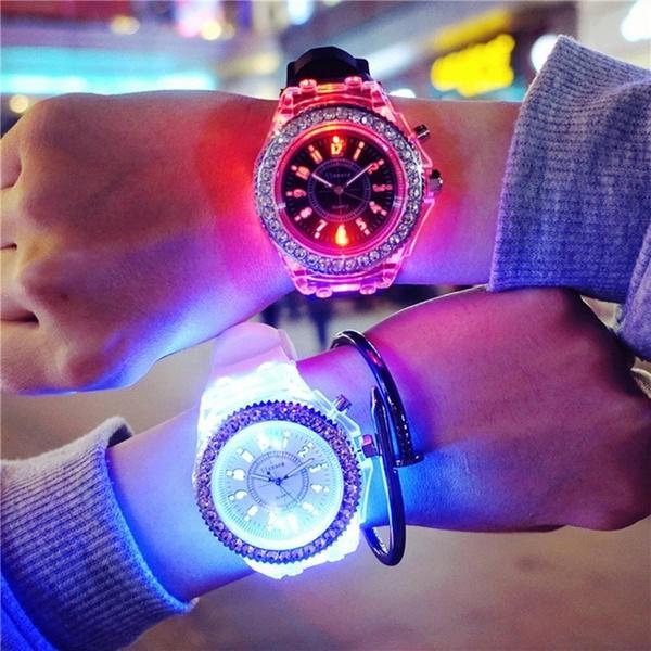 Мода Luminescent Смотреть Электронные светодиодные красочные светлые часы для детей мальчики Мальчики Школа Часы фото