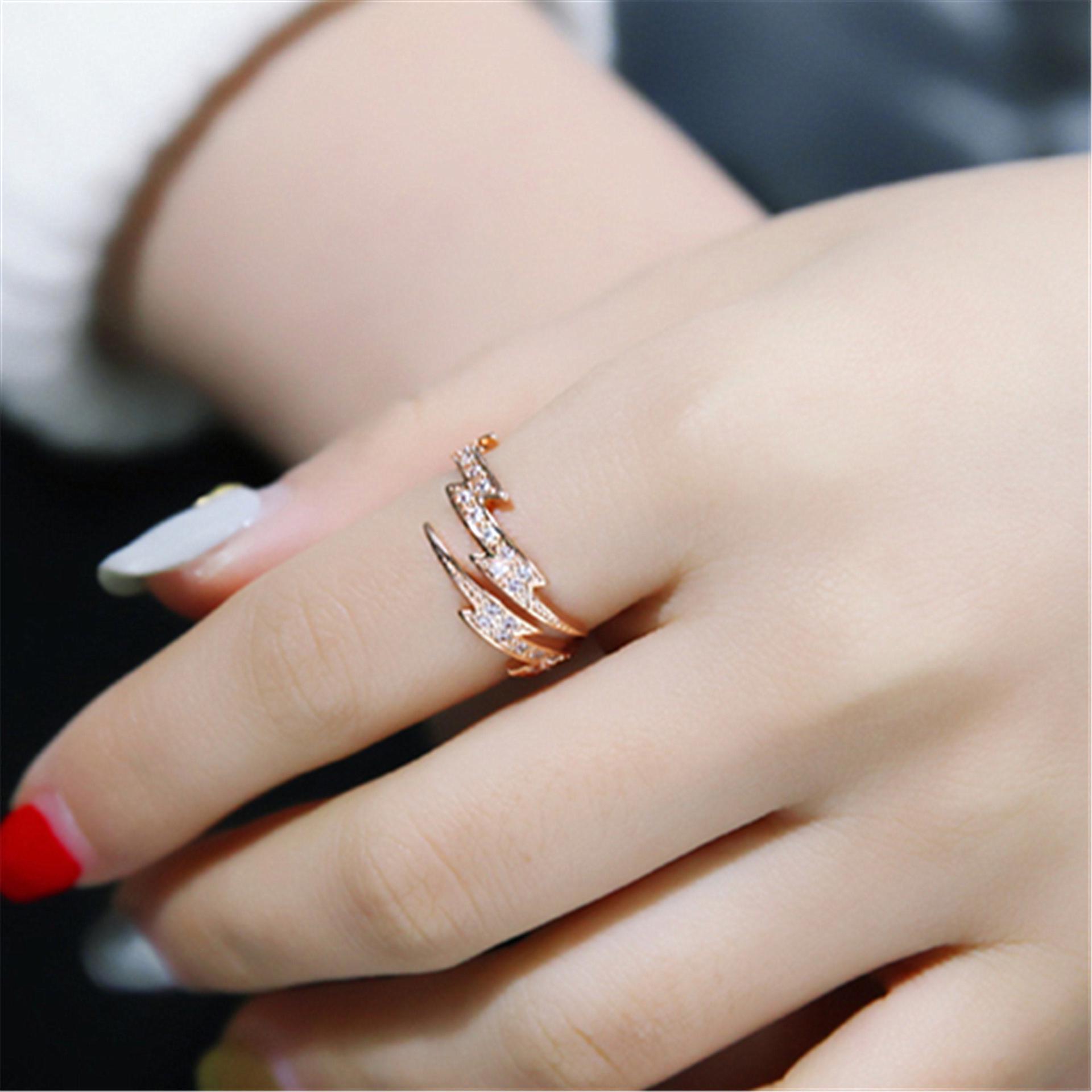 Оригинальное обручальное кольцо с регулируемым размером фото
