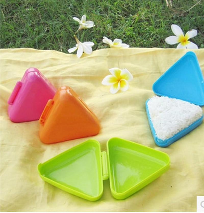 Japonais Triangle Sushi Moule Onigiri Boule de Riz Rouleau alimentaire Press Maker 4pcs//Set