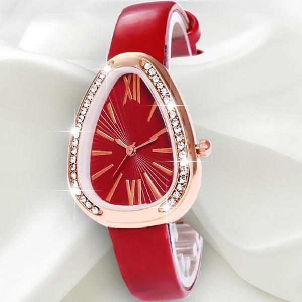 Мода женщин элегантный треугольник Dial часы Кожаный ремешок Случайный кварц Wristwatches часы фото