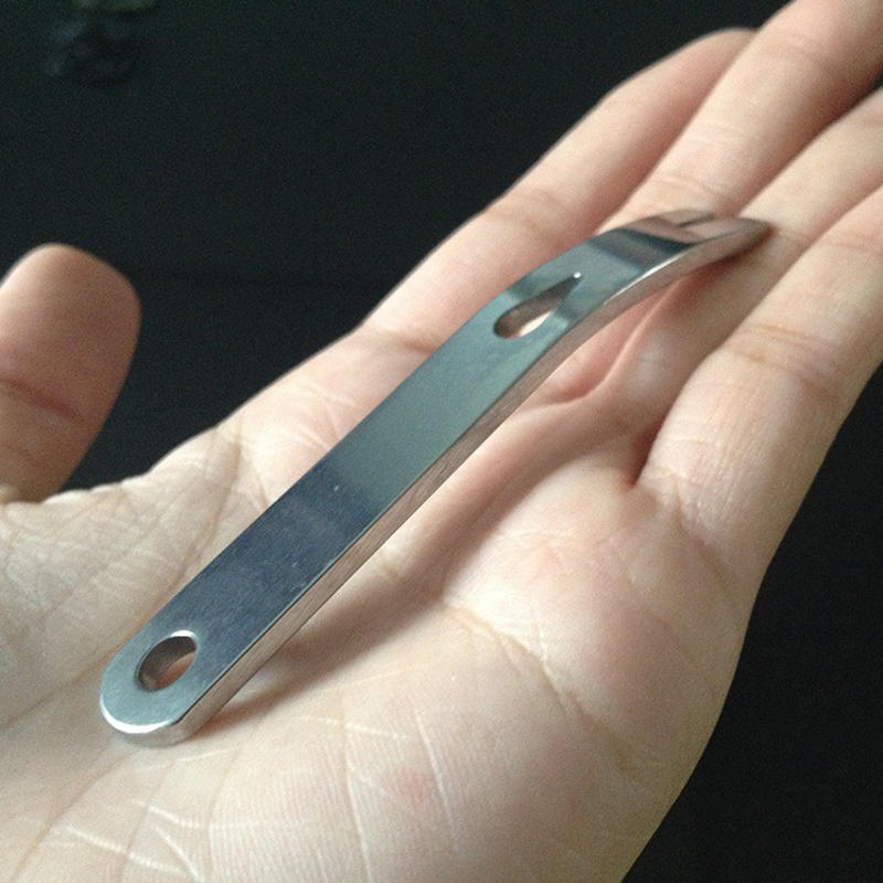 suoryisrty Crank Crowbar Pocket Pry Bar Paracord Scraper Opener Winder Staple Mini EDC Tool Army Green
