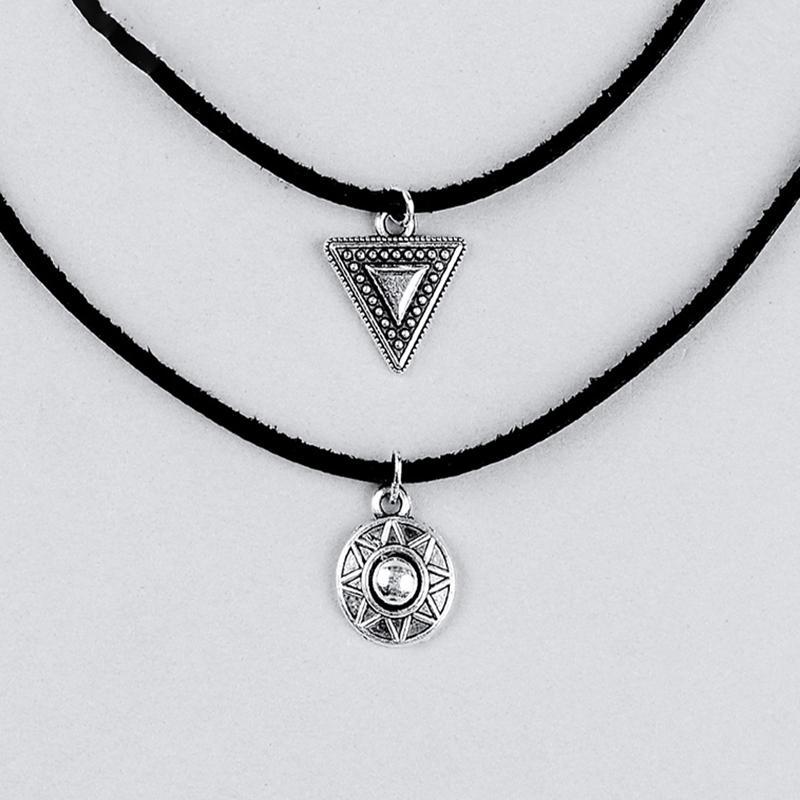 dbc845855ea4 Gargantilla de cuero negro Vintage triángulo collar colgante para la ...