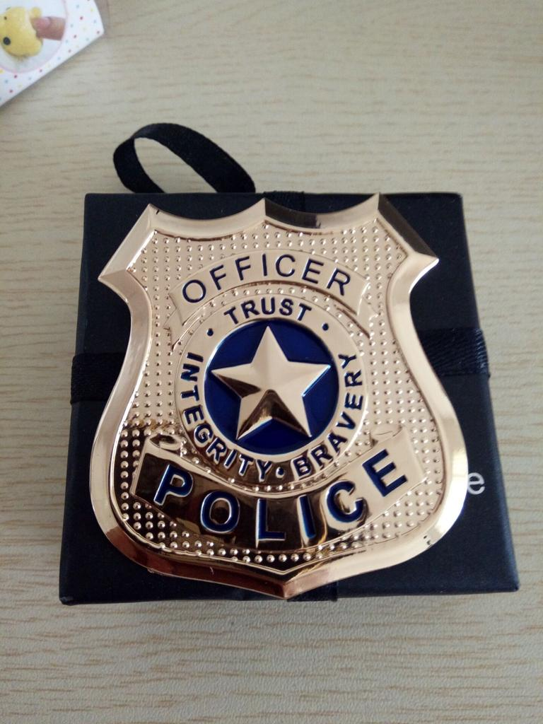 Officer Trust Police Cosplay Brooch Badges Alloy And Painted Party Brooch Badges Pins