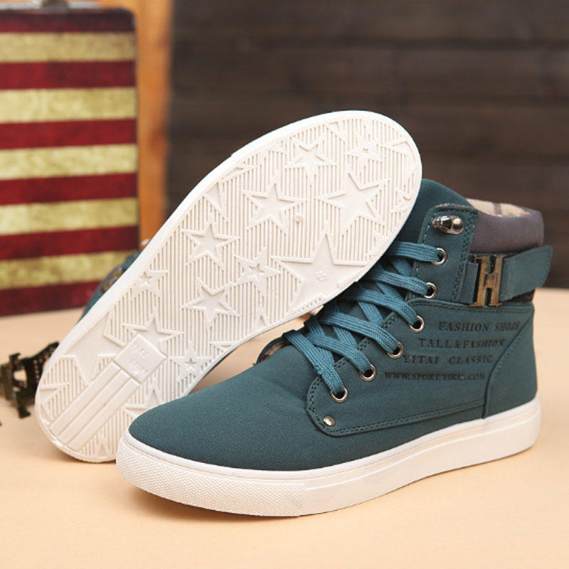 Pair of shoes men sneakers comfortable casual shoes canvas boots fashion shoes winter