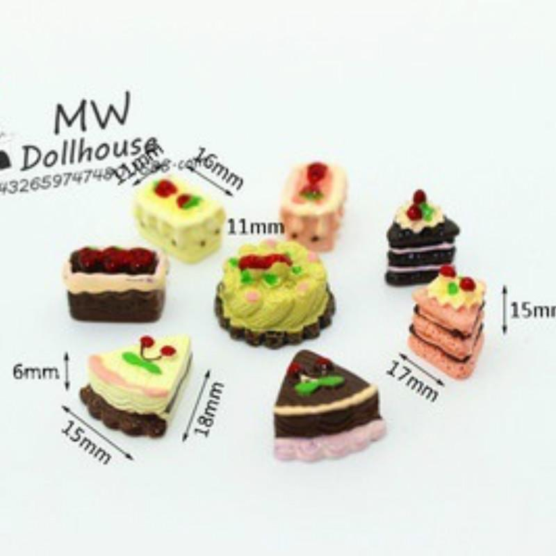8pcs//Box Dollhouse Miniature Kitchen Food Cakes Dessert Donuts Accessory