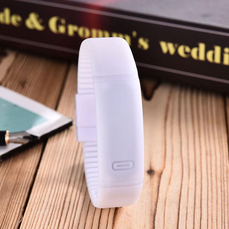 dca06b0fbfec Kipasen actualización sección impermeable LED pulsera niños mujeres ...